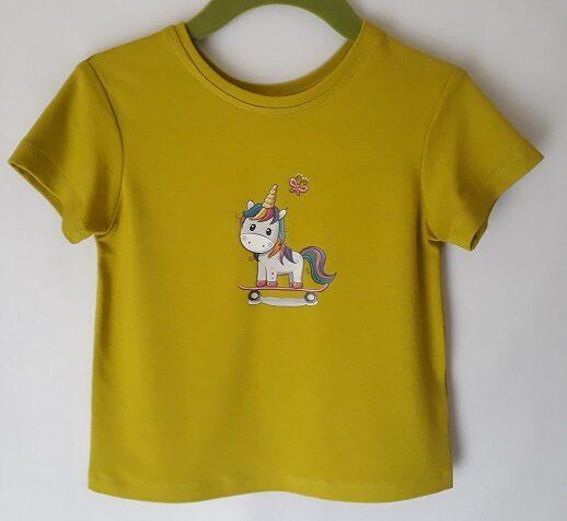 t-krekls ar aplikāciju