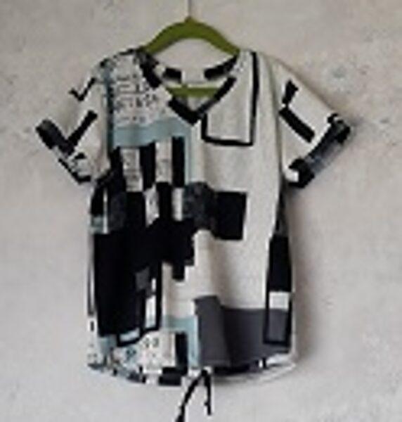 Krekls ar īsām piedurknē